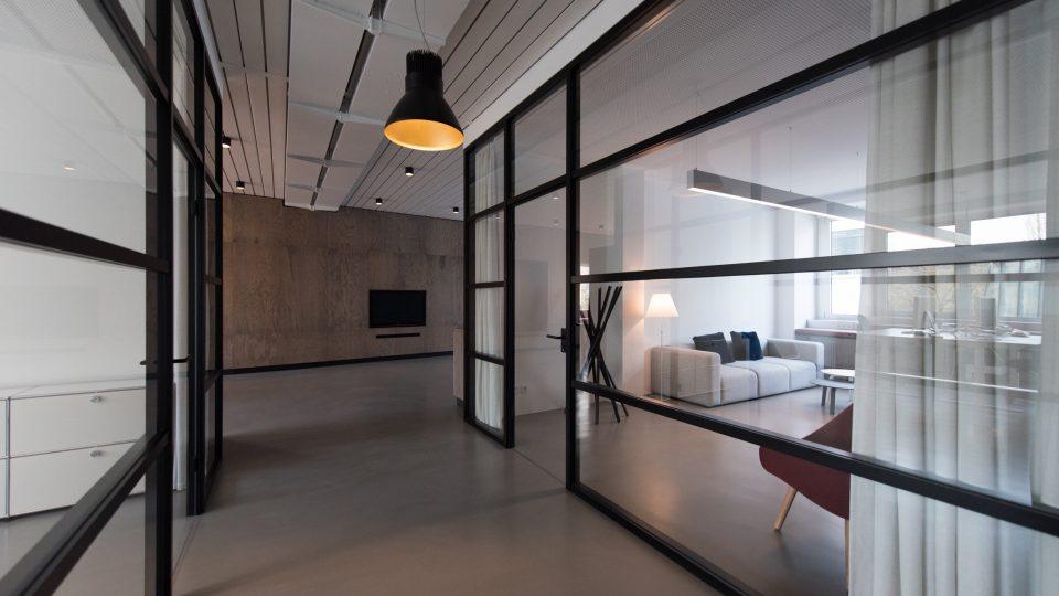 aluminum-doors-windows-nyc-gkass-door-commercial-facades-nyc-2