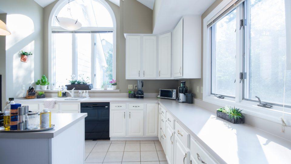 aluminum-doors-windows-nyc-gkass-door-commercial-facades-nyc-9