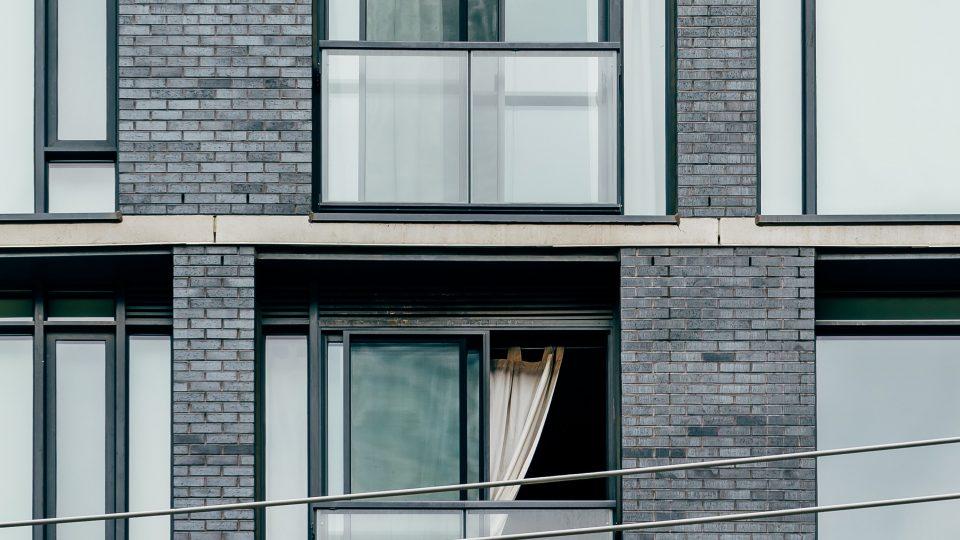 apartment-architecture-brickwall-593156